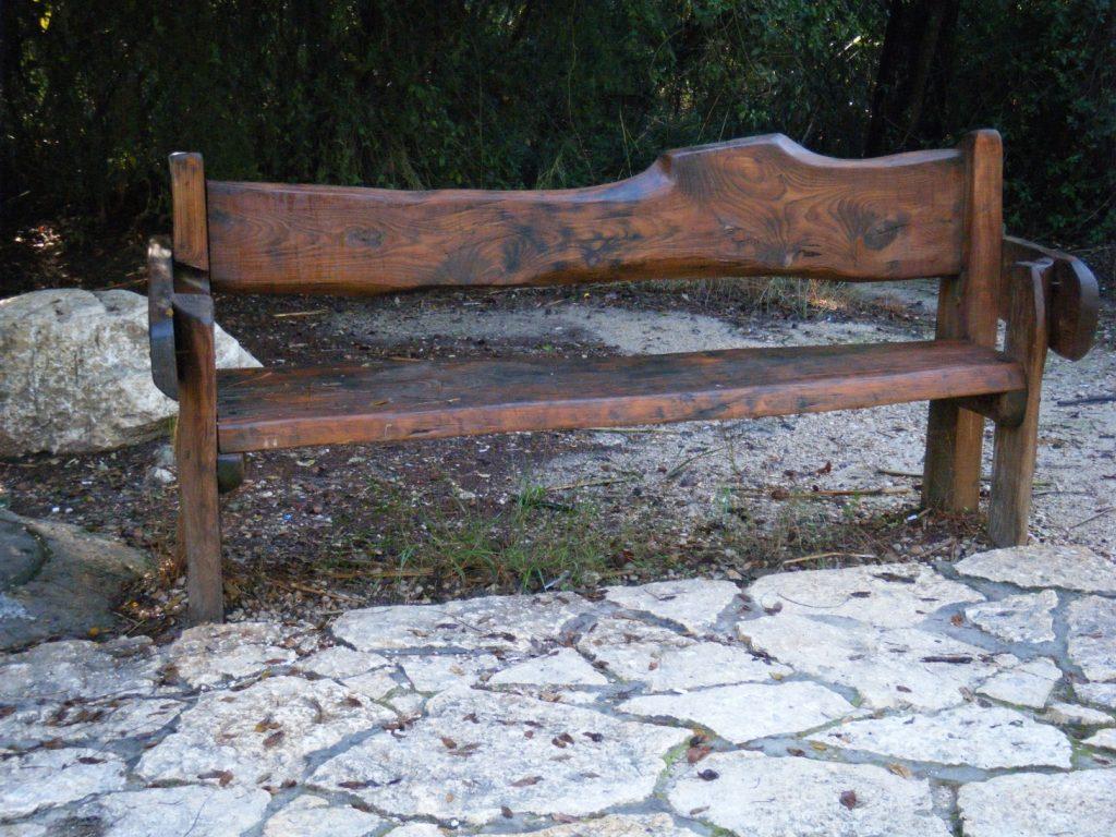 ספסל גושני מעץ ברוש טבעי