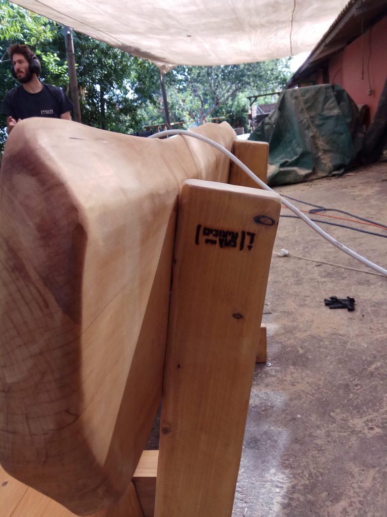 ספסלים מעץ מלא